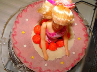 gâteau d`anniversaire barbie
